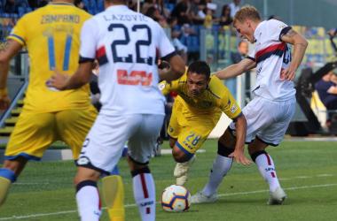 Il Genoa vince e vola: una doppietta di Piatek mette KO un arcigno Frosinone (1-2)