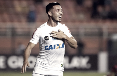 """Jean Mota exaltou a Vila em jogos de Libertadores """"O adversário sente bastante"""" (Foto: Santos FC/Divulgação)"""