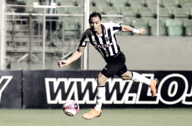 Oliveira desperdiçou boas chances de gol na partida (Foto: Bruno Cantini/Atlético-MG)