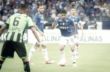 Com Mineirão lotado em vitória do Cruzeiro, Léo agradece apoio maciço das arquibancadas