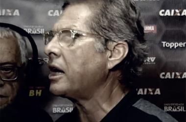 Destempero total: Oswaldo de Oliveira quase agride jornalista após Atlético-MG empatar no Acre
