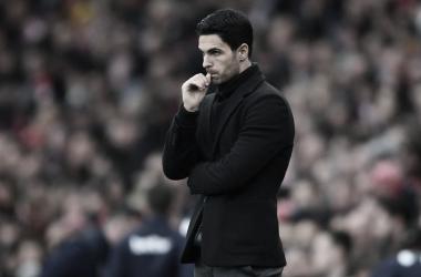 Arteta se diz orgulhoso do Arsenal, mas lamenta chances perdidas no empate com Leicester