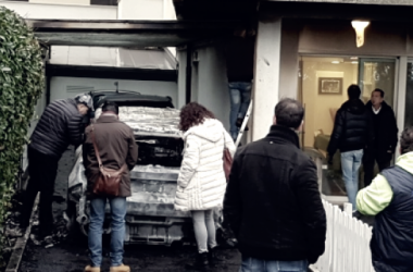 Pescara - Bruciate nella notte le due auto del presidente Sebastiani (Fonte foto: Il Centro)