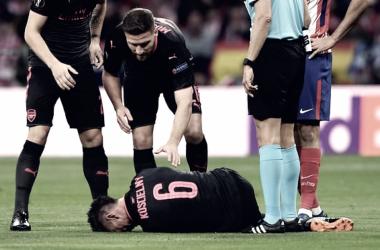 Laurent Koscielny, lesionado en el Wanda Metropolitano. | Foto:Arsenal FC.