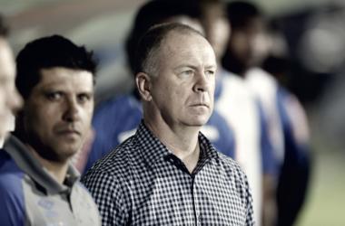 Frustrado com resultado, Mano ratifica compromisso do Cruzeiro em vencer jogos restantes no ano