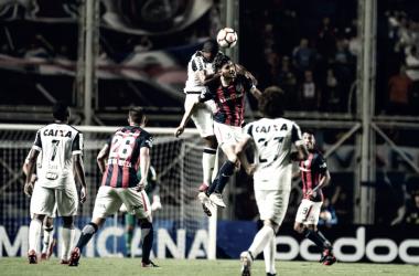 Futebol timído e sem confiança foi a marca do Atlético na noite de quarta-feira (Foto: Bruno Cantini/Atlético-MG)