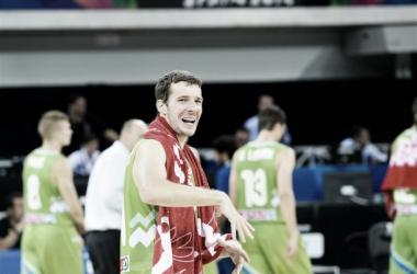 Dragic, figura de Eslovenia, festeja un nuevo triunfo frente a Corea (Foto: FIBA.com)