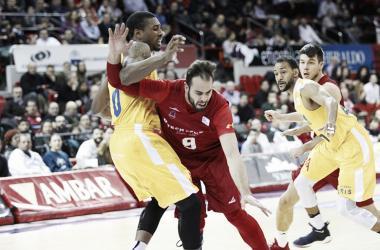 Dragovic y Soko en el igualado encuentro de la primera vuelta/ Foto: Basket Zaragoza