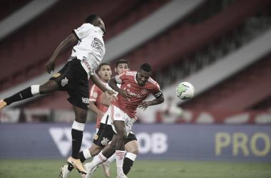 Edenílson teve um gol anulado no final da partida (Foto: Ricardo Duarte)