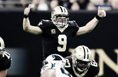 Drew Brees lideró la ofensiva de los Saints