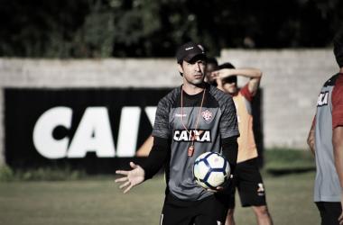 Técnico assumiu após passagem pela equipe Sub-20 do Vitória (Foto: Divulgação/EC Vitória)