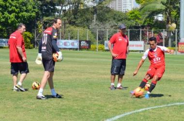 São Paulo visita o Vasco e Muricy prepara mudanças no time