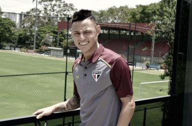 """Neilton chega ao São Paulo e festeja: """"Satisfação enorme"""""""