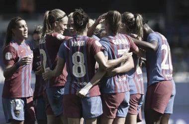 Las azulgranas celebrando uno de los goles contra el Valencia. | Foto: Paco Largo - FC Barcelona
