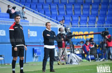 El técnico azulgrana, durante el partido con el Alcoyano | Foto: Noelia Déniz - VAVEL