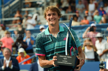 Zverev becomes the first person to hold the Donald Dell trophy (Noel Alberto/VAVEL USA)