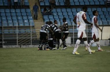 De virada e nos acréscimos, XV derrota Oeste e isola Corinthians na lanterna do grupo B
