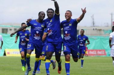 """Roberto """"Tuca"""" Ordóñez celebra el gol del empate. Foto: API"""