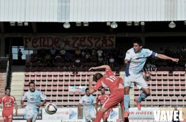 Fotos e imágenes del SD Compostela 0-1 UD Somozas de la jornada 6, Segunda División B Grupo I