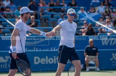 Andy and Jamie Murray react to winning a point during their 2019 Citi Open first round match (Noel Alberto/VAVEL USA)