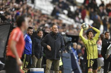 Víctor Fernández durante el encuentro en Vallecas. // Foto: Web Real Zaragoza