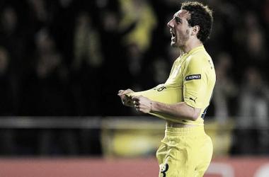 Cazorla em sua primeira passagem no Villarreal (Foto: AFP/Jose Jordan)