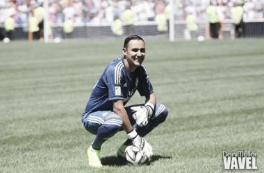 Navas foi apresentado no Santiago Bernabéu com cerca de 10 mil pessoas presentes (Foto: Dani Mullor / Vavel)