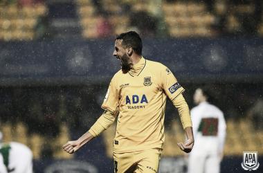 Esteban Burgos celebrando el gol de la victoria. Foto: @AD_Alcorcon