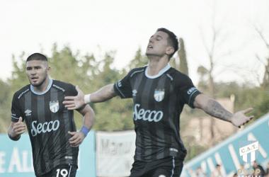 Bruno Bianchi festeja el gol del empate parcial, frente al 'pirata'. Foto: página oficial de Atlético Tucumán