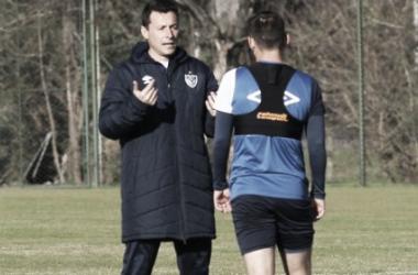 El DT fortinero prepara el equipo. Foto: Vélez Sarsfield Página Oficial.