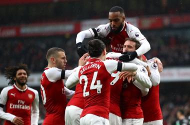 L'Arsenal esulta dopo una delle reti. Fonte: https://twitter.com/arsenal