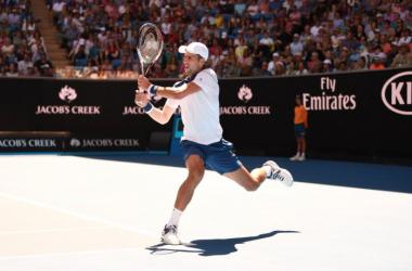 Australian Open - Djokovic passeggia, esordio soft