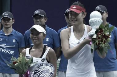 Duan Ying-Ying and Vania King as champion and runner-up of 2016 Jiangxi Women's Open [Photo credit:Jiangxi Women's Open Official Twitter Page]