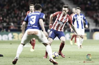 Duarte defiende a Saúl en el Atlético - Alavés de la primera vuelta. / Foto: LaLiga