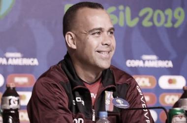 Dudamel exalta goleiro Fariñez e foca em recuperação para partida diante do Brasil