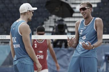 Resultado Leshukov/Semenov x Mol/Sorum pelo vôlei de praia nas Olimpiadas de Tóquio (0-2)
