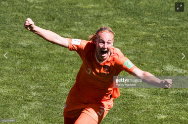 Women's World Cup: Italy 0-2 Netherlands