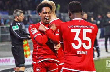 Phillipp Mwene andOsayamenOsawe after Kaiserslautern's second goal. | Photo: Bundesliga.