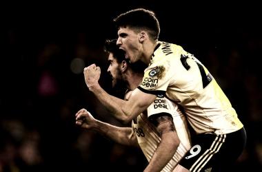 Jimenez e Neves dão a vitória aos Wolves diante do Liverpool.(Foto: Wolves)