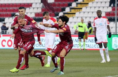 Serie B: secondo KO per il Palermo, pari per molte big. Sorride il Crotone