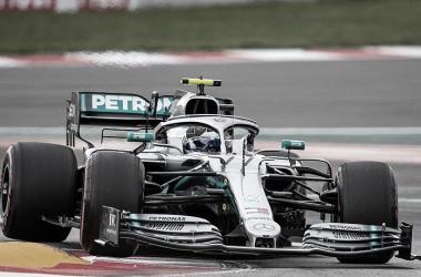 Bottas, entrando a las curvas finales | Foto: Motorsport
