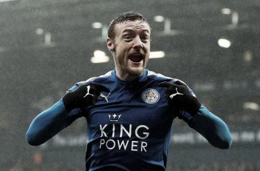 El Leicester golea y hunde al West Brom