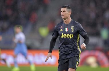 Serie A - Cancelo e Ronaldo ribaltano la Lazio: la Juventus vince 1-2