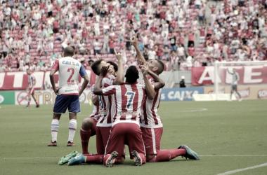 Após vitória diante do Bahia, Roberto Fernandes não poupa elogios ao elenco