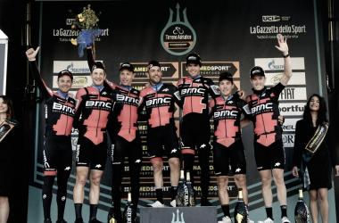 BMC domina la CRE y Damiano Caruso es el primer líder de la Tirreno Adriatico
