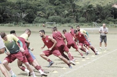 Técnico Roberto Fernandes pode utilizar time reserva diante do Belo Jardim, no Pernambucano