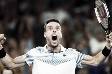 Bautista celebra el pase a los cuartos de final del Open de Australia. Foto: @ATPTour_ES