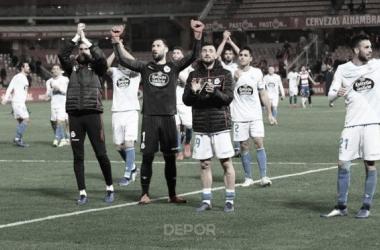 La plantilla del Deportivo agradece el apoyo de los aficionados desplazados // RCDeportivo