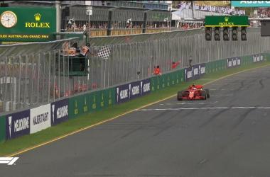 Formula 1 - Lampo rosso in Australia: Vettel batte Hamilton!