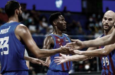 Mirotic, Hayes y Calathes en la semifinal de la Supercopa ACB / Foto: FCBASKET